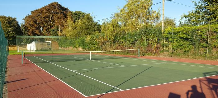 Hendred courts